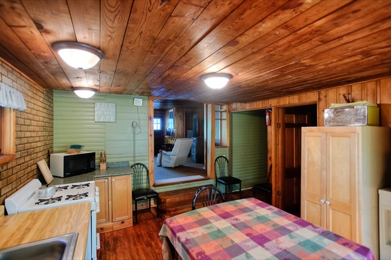 slideshow-cabin9-interior-4